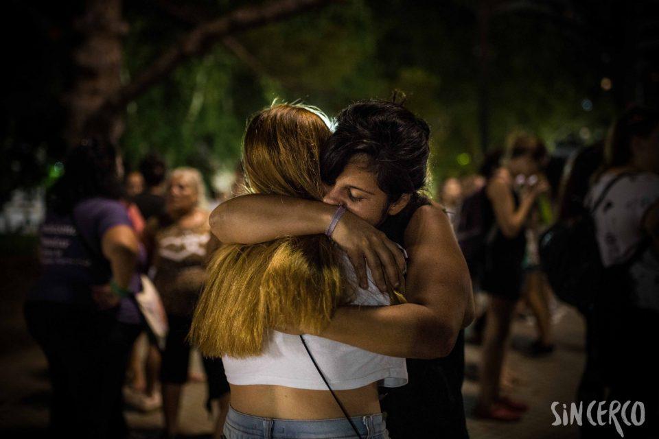 Abrazos por Agustina en todas las plazas